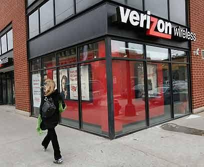 13. Verizon CommunicationsEn el periodo que terminó el 1 de abril, las a...