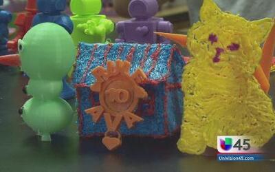 Estudiantes crean juguetes en 3D