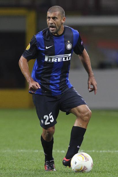 Desde la Serie A italiana aparece el argentino Walter Samuel.