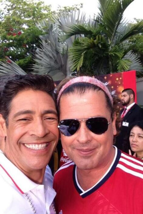 """Con mi panita @carlosvives en @DespiertaAmeric solo por @Univision"", mo..."