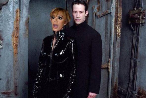 """Con Keanu Reeves en """"The Matrix"""". Mira aquí lo ú..."""
