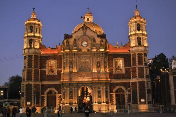 Esta es la fachada de la Antigüa Basílica de Guadalupe que permanece aho...
