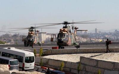 A bordo de un helicóptero militar jordano, Francisco llega a la ciudad b...