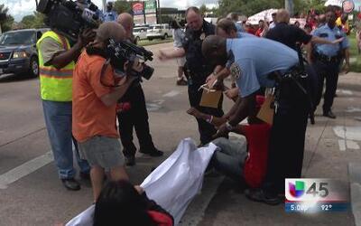 Arrestados tras pedir un aumento de sueldo
