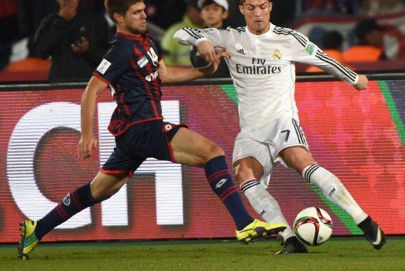 Walter Kannemann no dejaba ni respirar a Cristiano Ronaldo que no tuvo u...