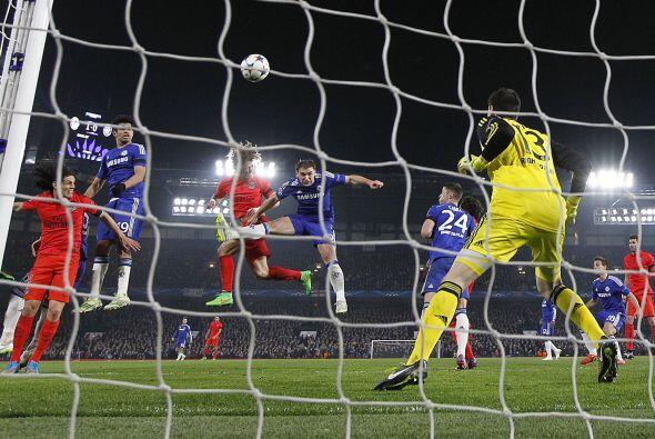 En un centro al área al minuto 86 David Luiz encontraría el gol del empa...