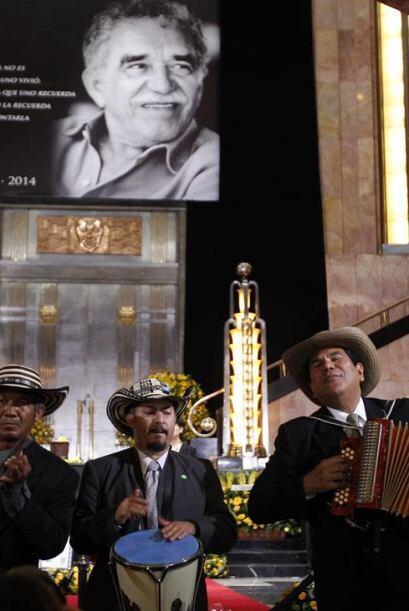 Durante la ceremonia también acudió un grupo de vallenato.