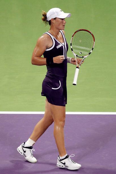 La dos del mundo, la rusa Vera Zvonareva, derrotó por 6-3, 6-0 a...