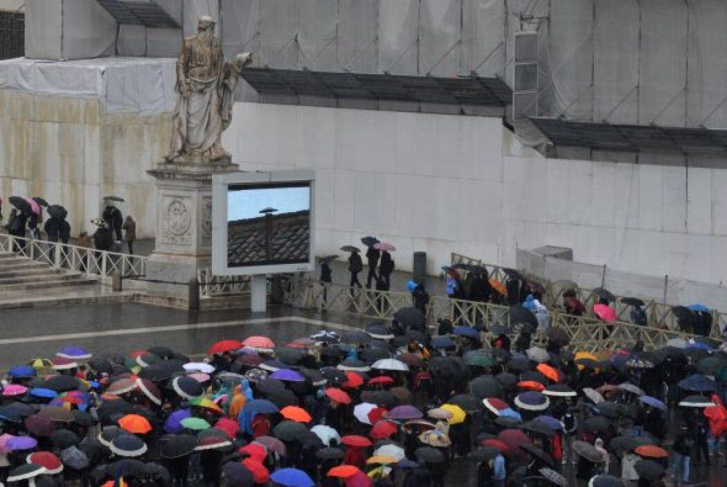 Roma amaneció este miércoles bajo una intensa lluvia y frío previo a la...