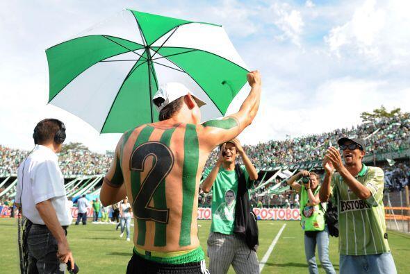 Con los colores de su equipo y el 2 en la espalda, el mismo númer...