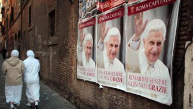 La renuncia del Papa Benedicto XVI conmocionó al mundo católico y estrem...