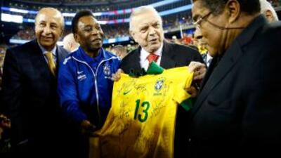 El último encuentro entre Pelé y Eusebio fue en el amistoso del 10 de se...