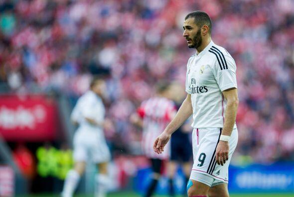 Benzema se perdió un par de ocasiones y terminó en el banc...
