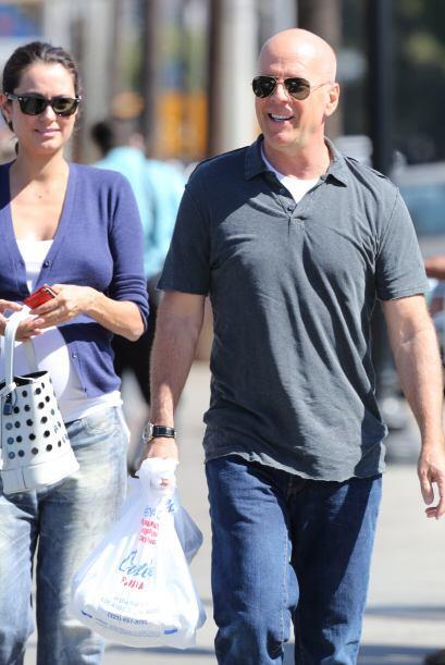 En días pasados Bruce y Emma fueron captados caminando por las ca...