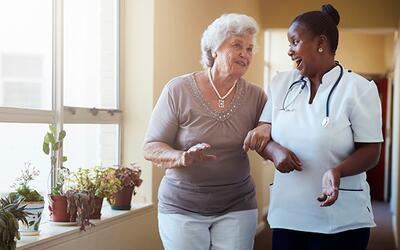 La importancia del cuidado a los adultos mayores