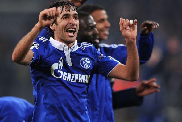 Raúl festejó el triunfo de su equipo, que dejó fuera a sus compatriotas...