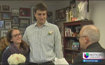 Ya se celebró el primer matrimonio del año en el Condado de Cook