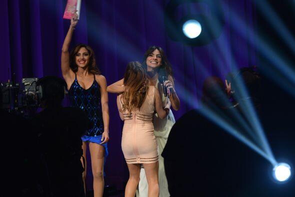 Nuestra bella Alejandra estaba muy contenta por aquellas que fueron eleg...
