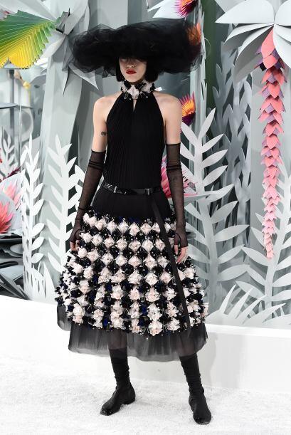 Los detalles tridimensionales en las faldas, llamaron mucho la atenci&oa...
