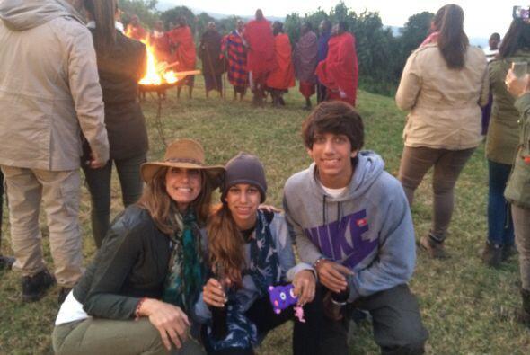 """""""Fuimos a una tribu donde puedes dar dinero o regalos y te dejan entrar""""..."""