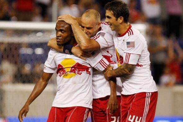 Con goles de Dane Richards y de Luke Rodgers, el NY Red Bulls venci&oacu...