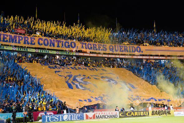 7.- Olvidarse del público: Mohamed apeló a la afición del Estadio Azteca...