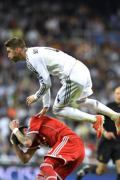 Sergio Ramos propinó un par de entradas fuertes pero dio un juego respet...