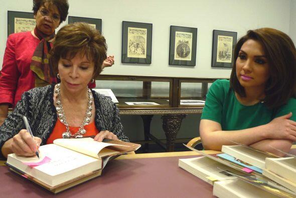 Allende viajó hasta Chicago para recibir el prestigioso reconocim...