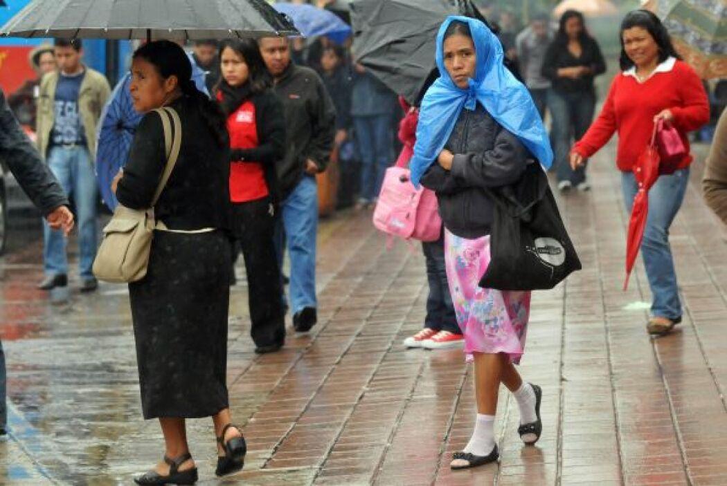 """El meteorólogo del IMN Eladio Solano afirmó que """"el sistema no se desarr..."""