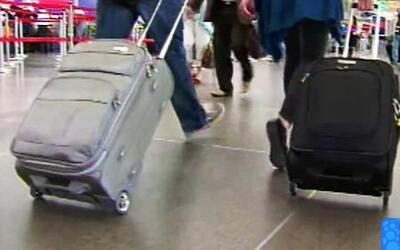Nuevos lineamientos para llevar equipaje de mano en aviones de United Ai...