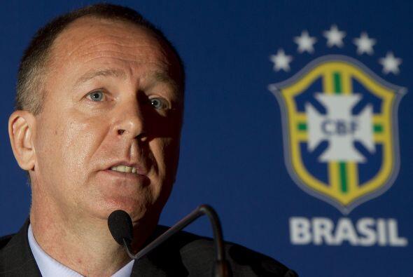 Mano Menezes tiene la obligación de salir campeón...de lo contrario su t...