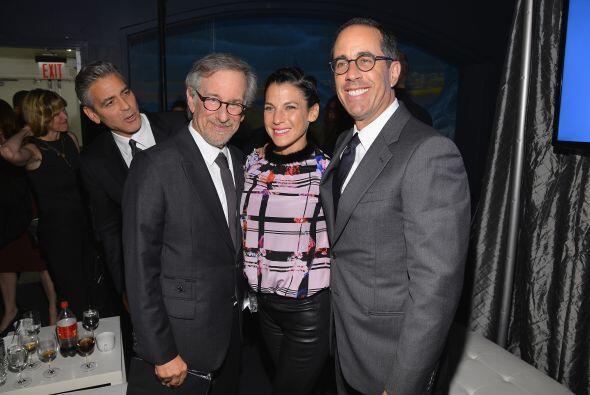 ¿Los conoce señor Clooney? Más videos de Chismes aquí.