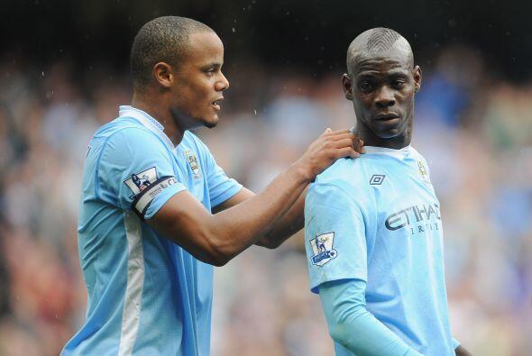 El Manchester City está puntero en Inglaterra y a Mario Balotelli le hac...