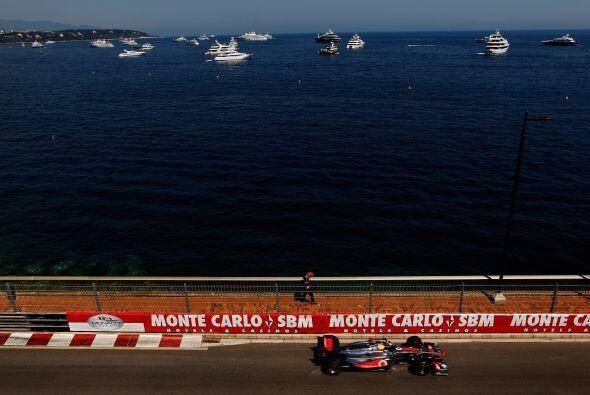 El Mar Mediterráneo de fondo, le da un toque especial al Gran Premio de...