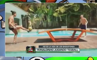 Ronaldinho no para de asombrar: ahora la rompe en una mezcla de fútbol y...