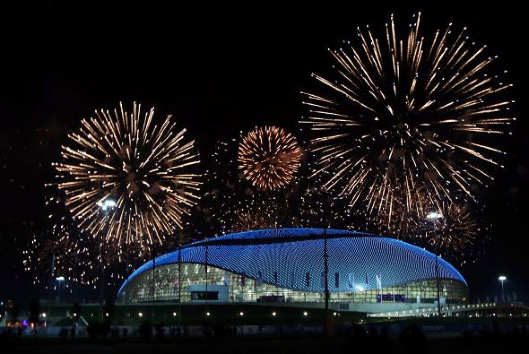 La ceremonia se llevó a cabo en el impresionante estadio Fisht, localiza...