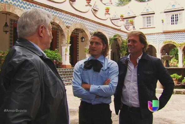 Cayetano les dice a sus hijos que piensa dividir Buenaventura en cuatro...