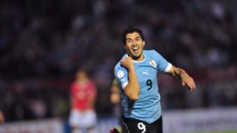 Luis Suárez se destapó con cuatro goles ante Chile.