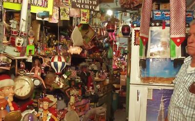 Conoce al coleccionista de juguetes más extravagante de México