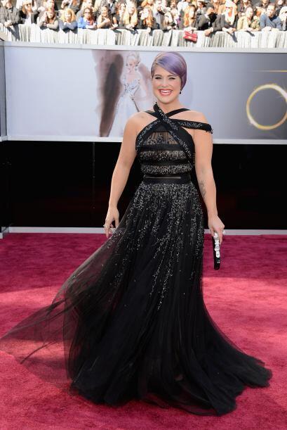 A veces de fashionista Kelly Osbourne no tiene nada y en esta premiaci&o...