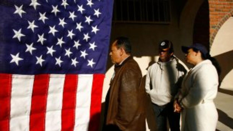 Los votantes hispanos no tienen tantas ganas de concurrir a las urnas en...