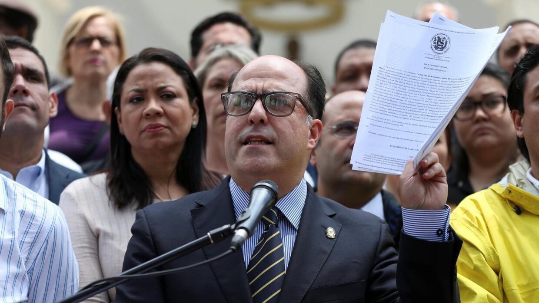 En Video: Asamblea de Venezuela denuncia golpe de Estado del presidente...