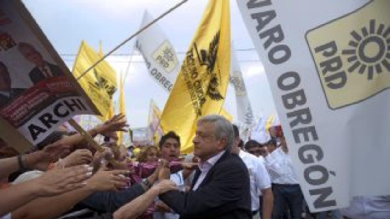 """Andrés Manuel López Obrador, es uno de los cuatro candidatos que """"pelean..."""