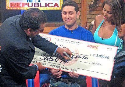 Un tremendo cheque presidencial para el nuevo Sabio de la República.