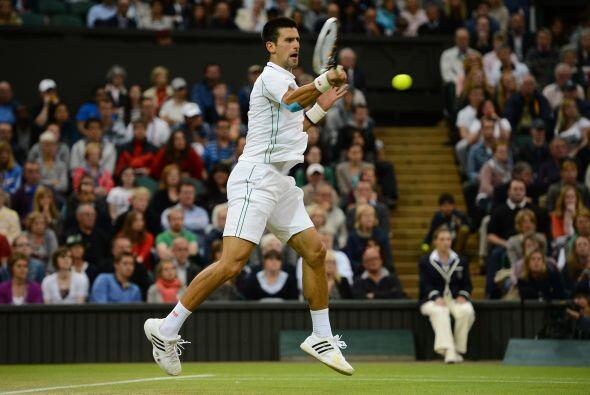 Djokovic, vigente campeón del título, sacó a reluci...