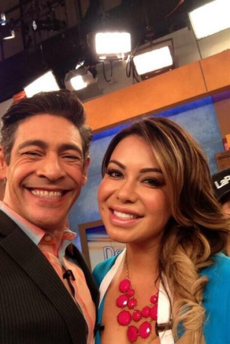 """""""Foto con la bella @Chiquis626 que hoy está con nosotros en el programa..."""