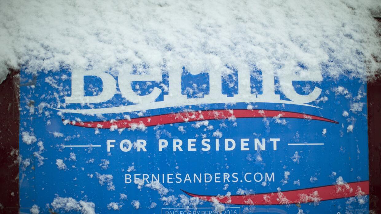 Cartel de Bernie Sanders nevado
