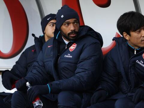 El Arsenal, con Thierry Henry en el banquillo, se enfrentó al Swa...