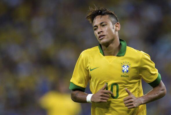 Recordemos que Neymar acababa de jugar horas antes un amistoso con su se...