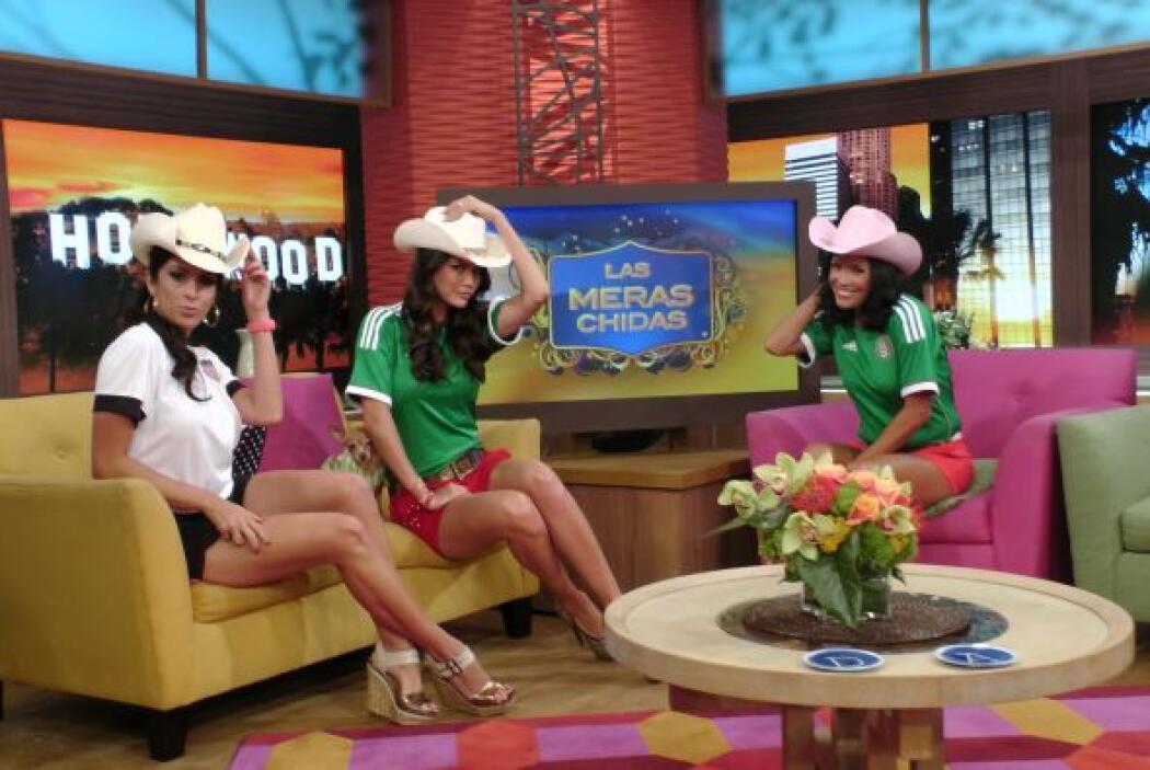 Además de su playera de fútbol, Maity, Ana y Karla presumieron pierna.
